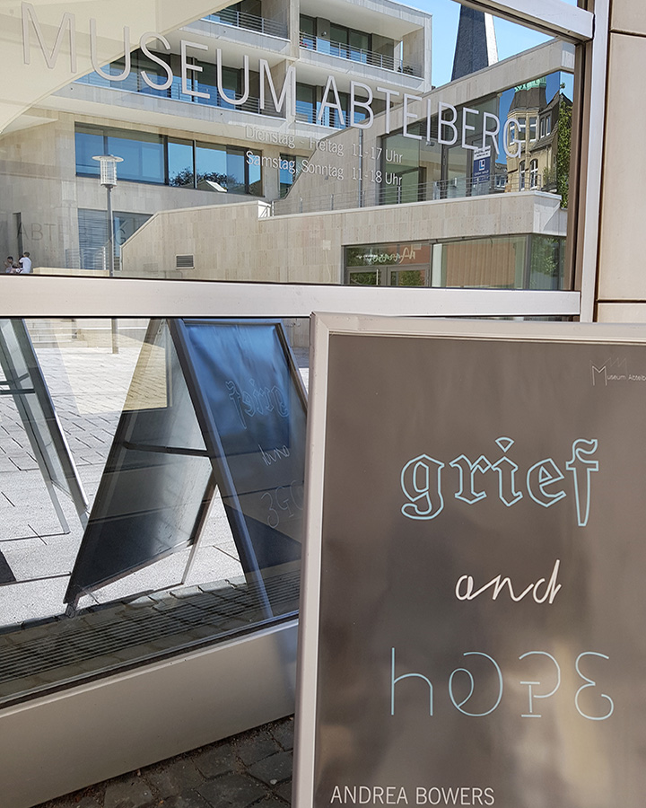 hope and grief Museum Abteiberg